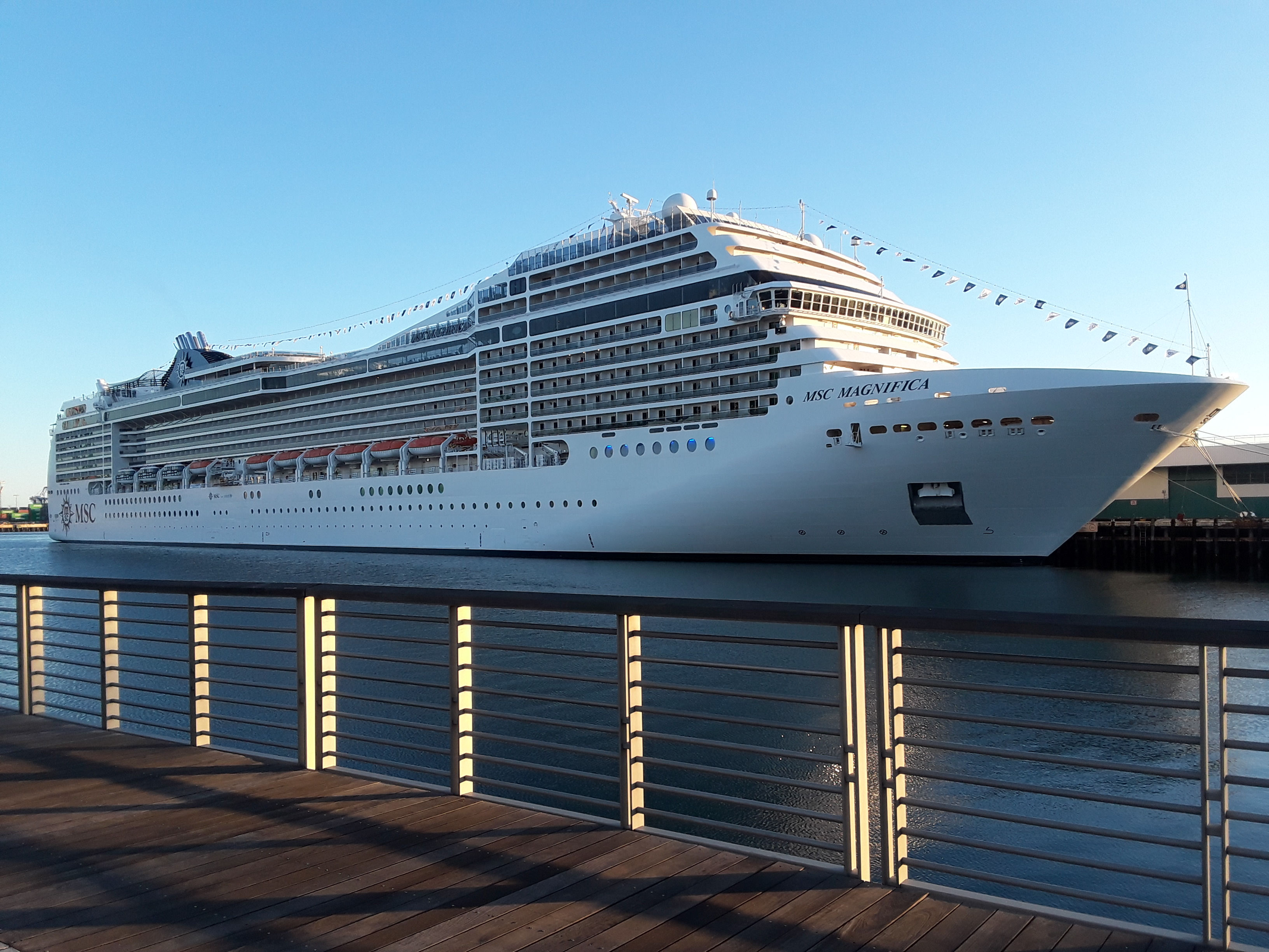 MSC Manifica at Berth 93