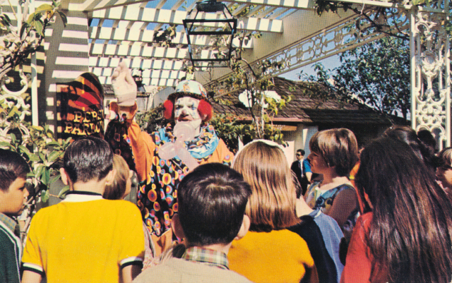 Ports O' Call Clown with children